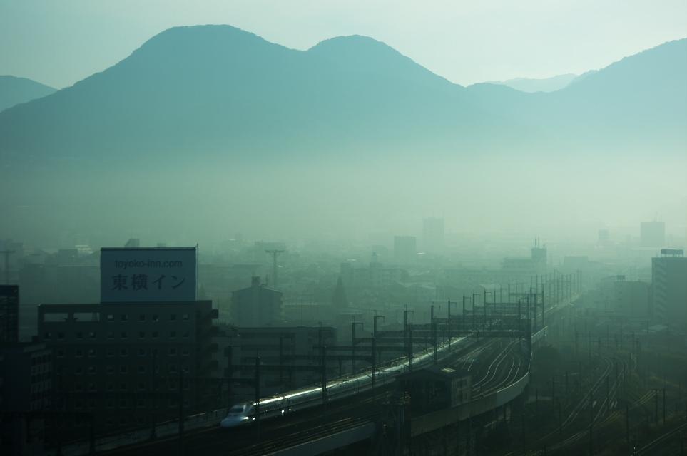 朝霧の中へ