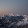 夜明けの乗鞍岳と焼岳