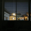 窓越し室内夜景