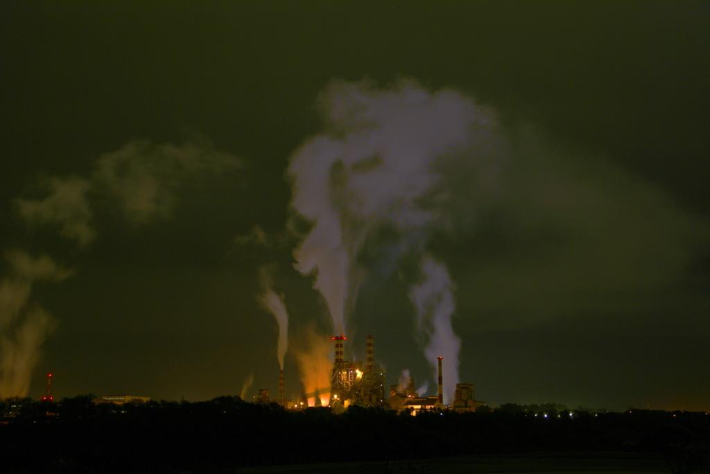 夜の工場 -1-
