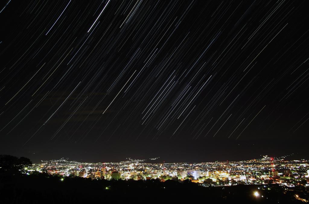 善光寺平の夜景と昇るOrion