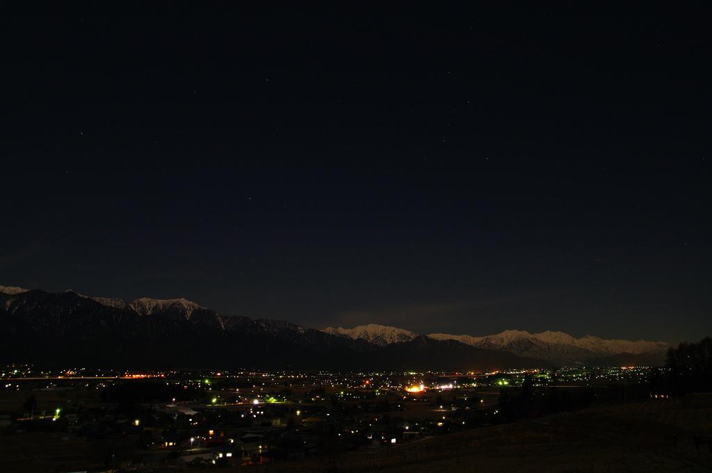 月下の北アルプス in 池田町