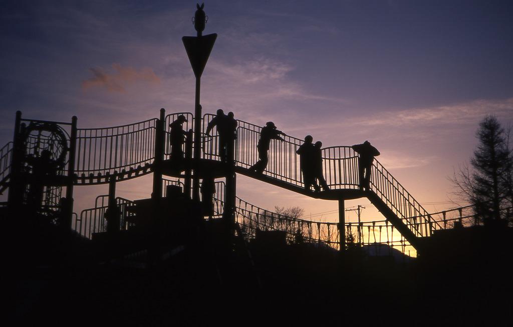 夕暮れ時の公園