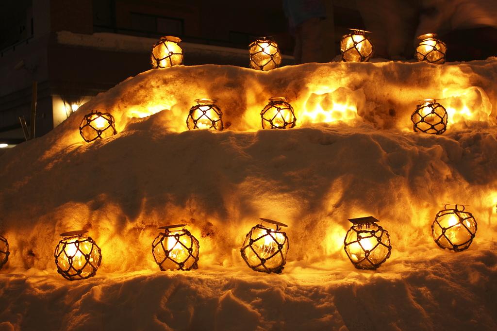小樽雪明かり 浮き球キャンドル