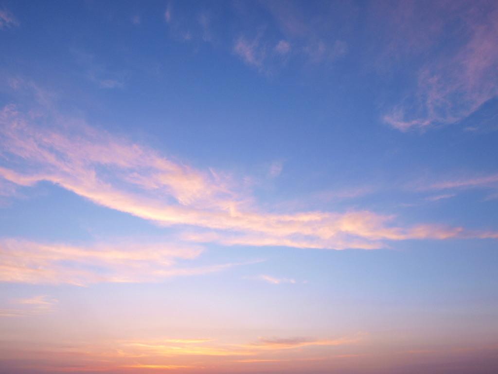 この空の向こう・・・