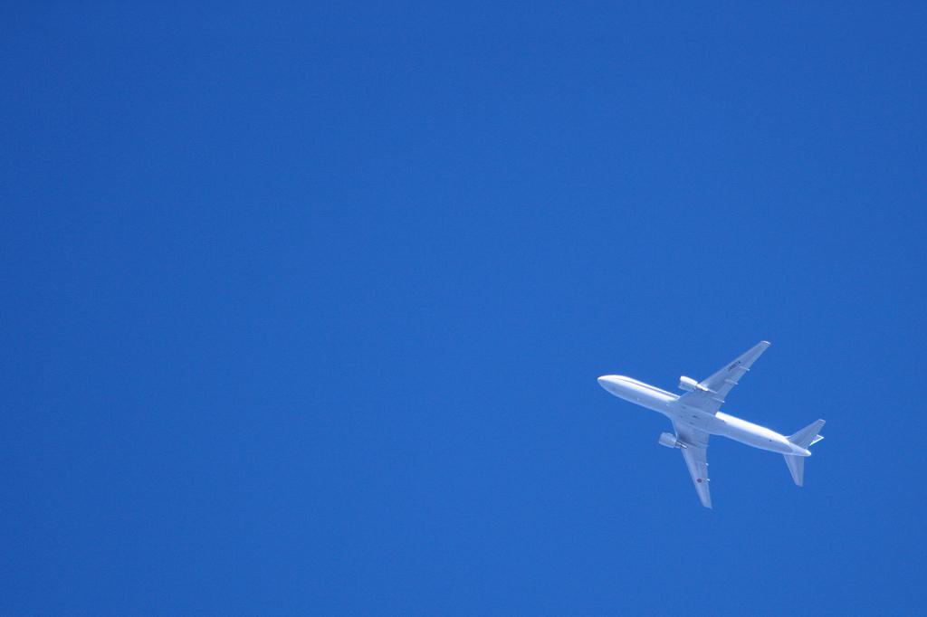 遙か上空の飛行機