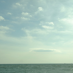 OLYMPUS E-410で撮影した風景(そらくじら)の写真(画像)