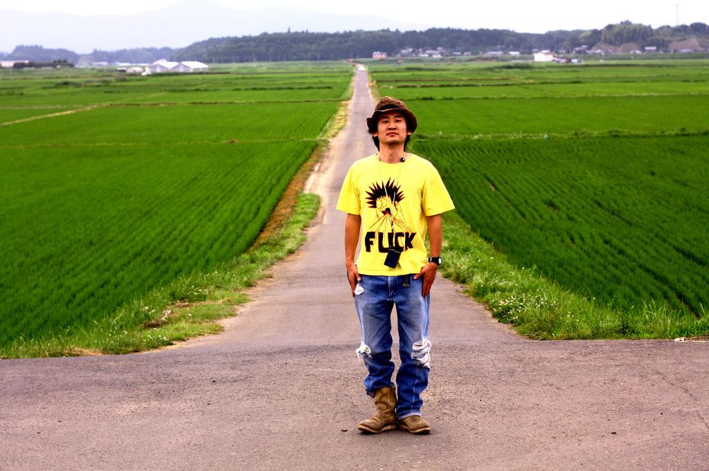 僕と田んぼと道