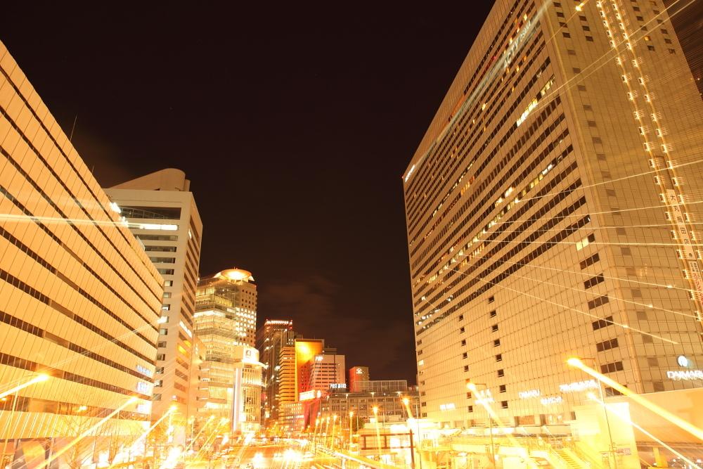 爆発寸前の街梅田