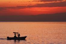 日も暮れてシラウオ漁