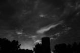 白と黒の空