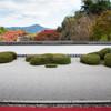 比叡山の見える庭