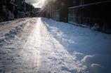 花街にも雪