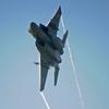迫るF-15