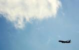 ジェット機のある風景