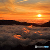 雲海に夕陽