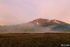 モルゲンロート至仏山