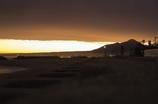 茜色の海岸風景