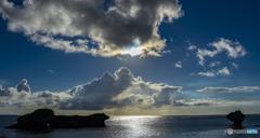彩雲と海の風景