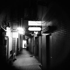 銀座の灯り -ビルの谷間-
