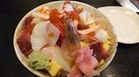 どっさり海鮮丼