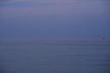 海と空の間に