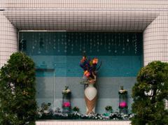 春の夢 - ラブホテルのウインドウアート