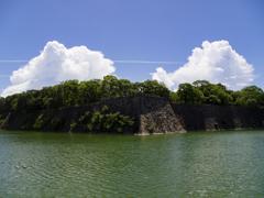 空と雲と木と水 そして石垣
