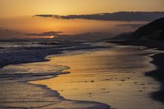 「空色を写し込む砂浜」