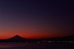 富士の空は緋色に!