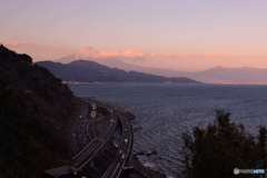 夕時の駿河湾