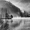 冬のダム湖