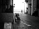 海のある街