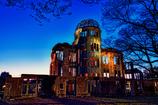 夜の原爆ドーム