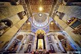 永遠を放つ威風 サン・ピエトロ大聖堂 バチカン市国
