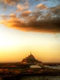 夕闇の展望 サン・マロ湾上のモン・サン=ミシェル