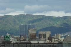 生駒山とツインタワー