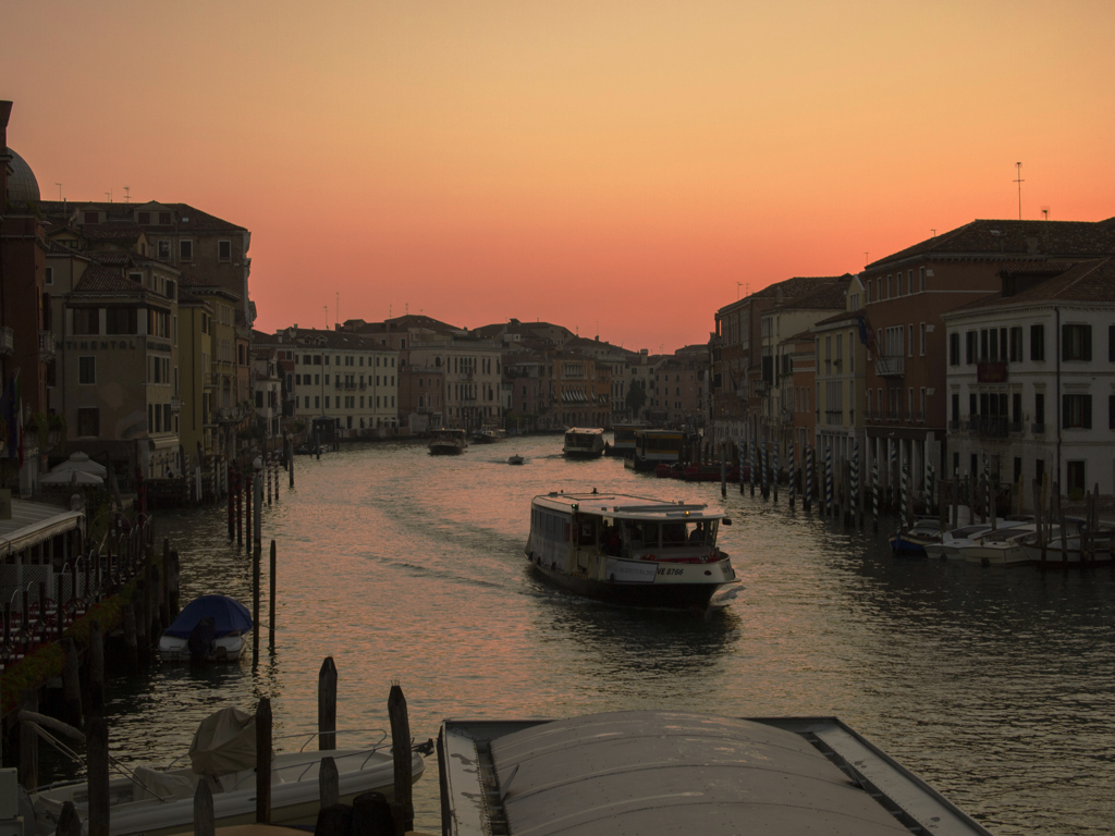ヴェネツィアの朝焼け