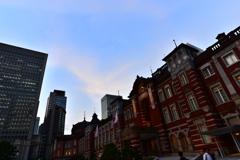 下から東京駅