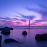 焼け付く明石海峡大橋