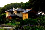 写真句:夕日のあたる家