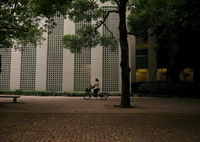PANASONIC DMC-GX1で撮影した(ビル街の片隅)の写真(画像)