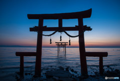 大漁神社の夜明け