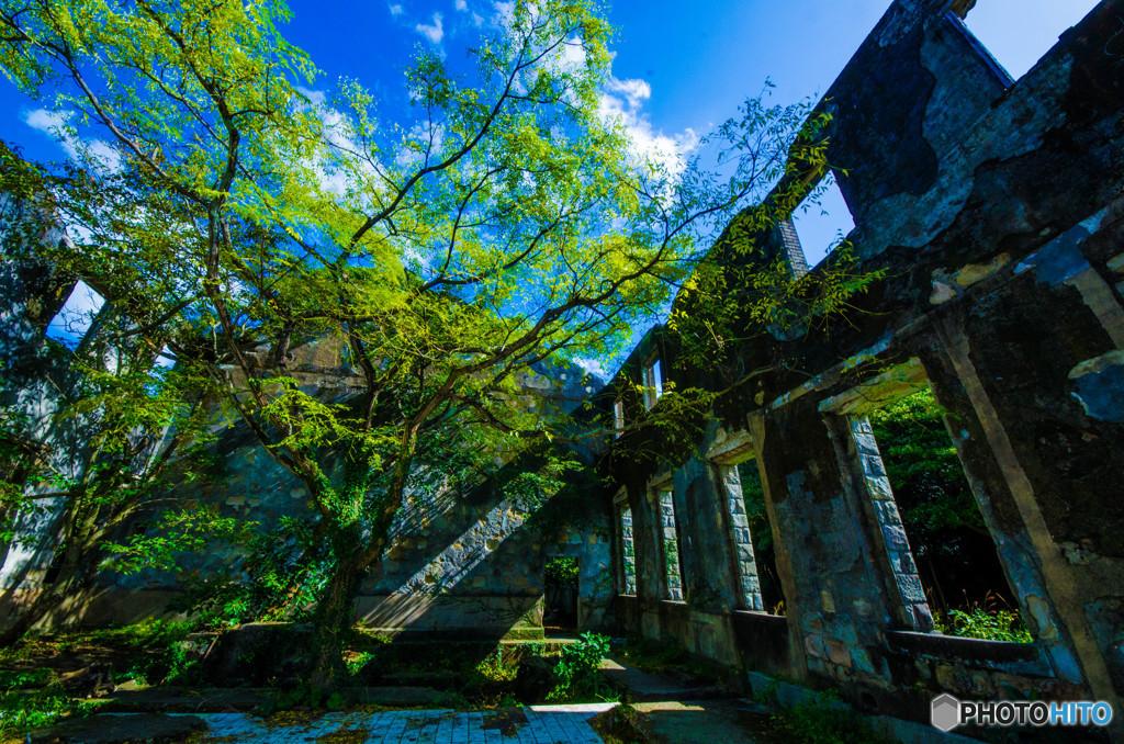 廃墟と青空