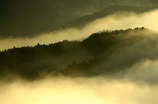 光湧く峰々