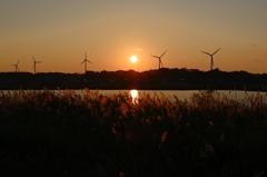 日没と風車と