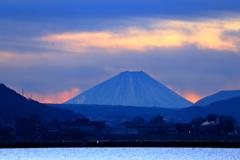 諏訪湖からの富士山の季節になっていた (2)