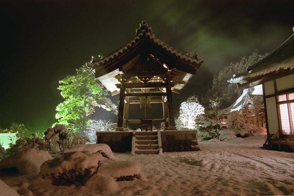 雪の大晦日・鐘楼