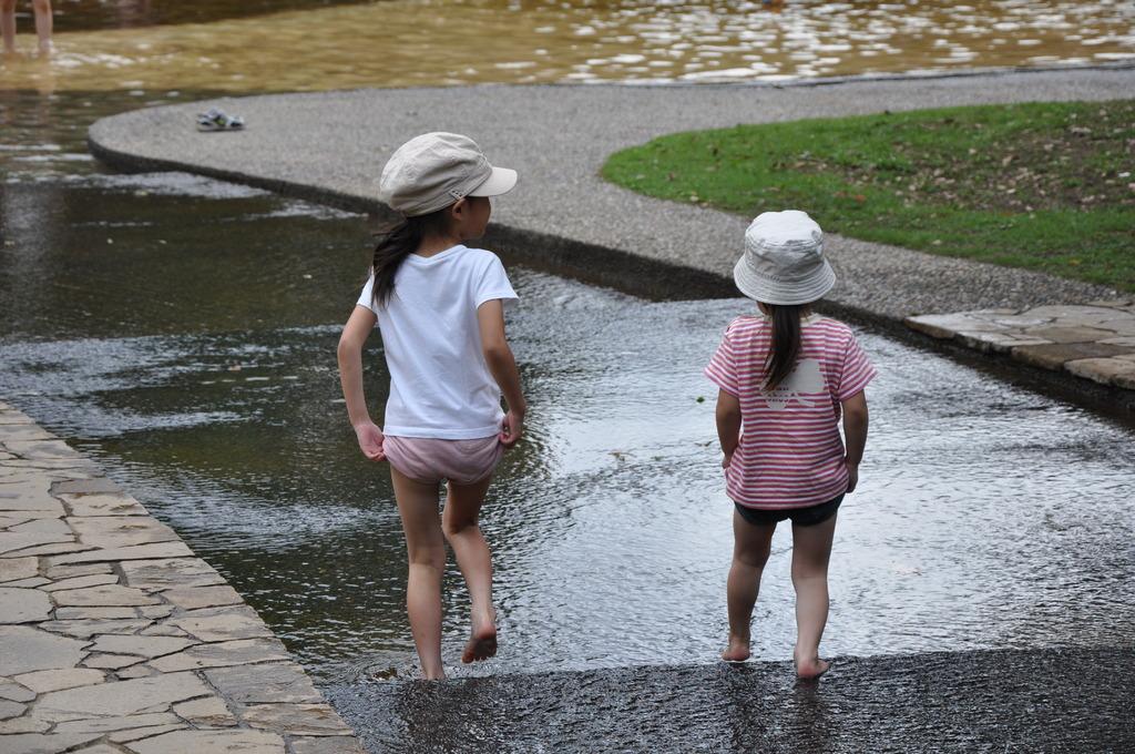 いざ、じゃぶじゃぶ池へ