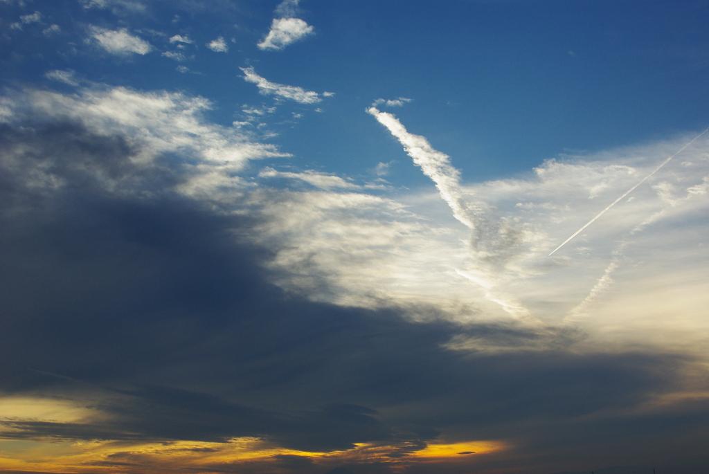 夕日と青空